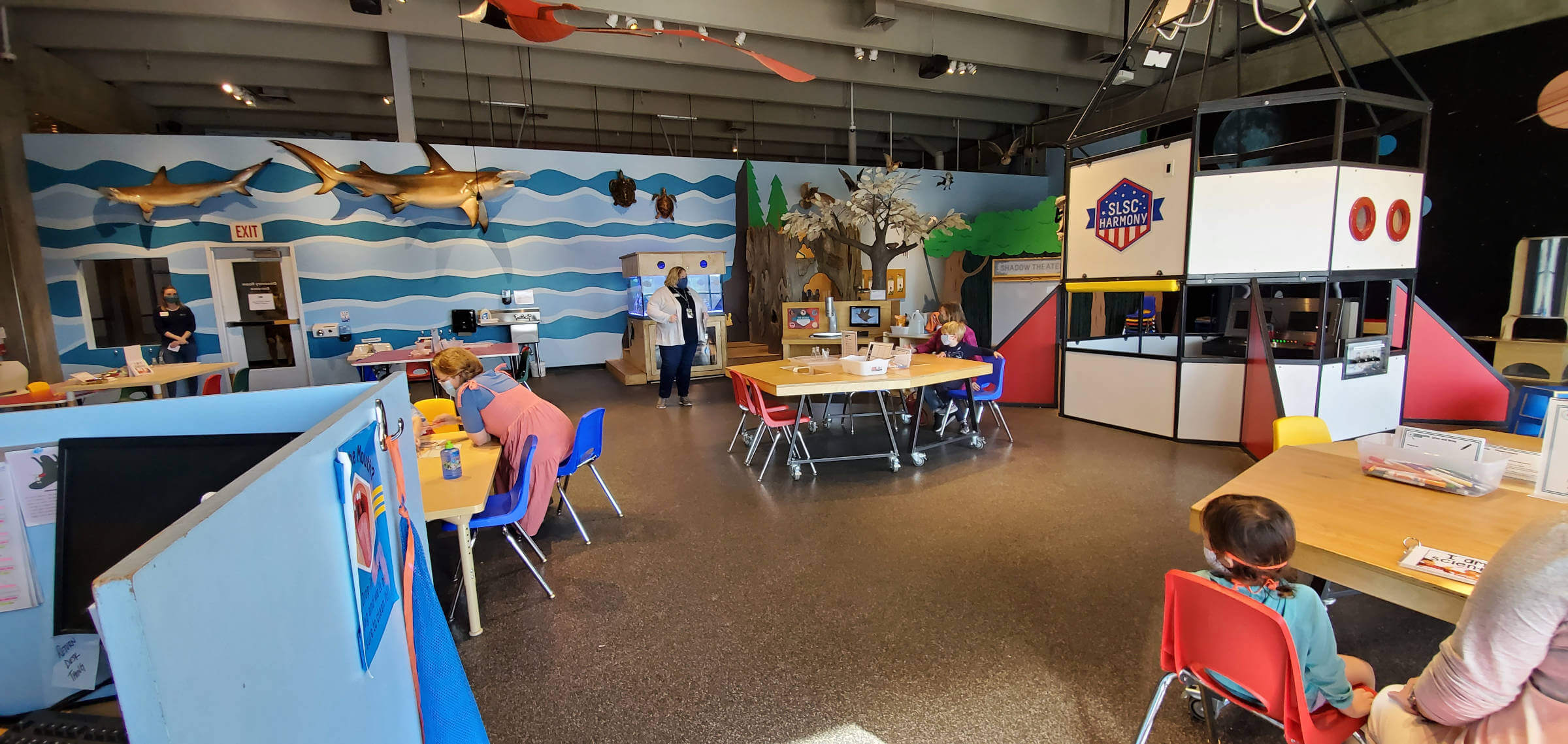 Discover Science with Me at the Discovery Room